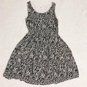 H&M Girls Black and White Zebra Dress